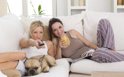 Fernsehen / TV per Internet und Kabel mit Hybridfernsehen (HbbTV)