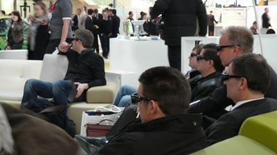 3DTV Zuschauer / 3D-Fernsehen auf der CeBIT am Beispiel Telekom Entertain 3D